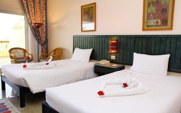 Palm Beach Hotel 4*