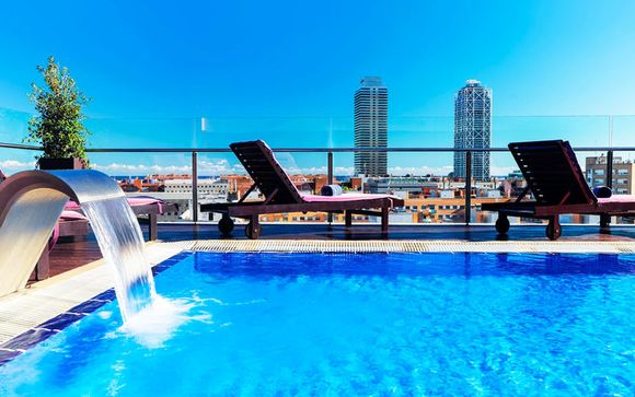 Design-Hotel mit Rooftop-Pool