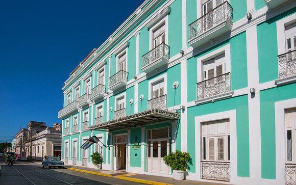 Hotel La Union by Melia International 4*