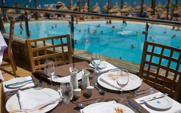 Holiday World Resort 4*