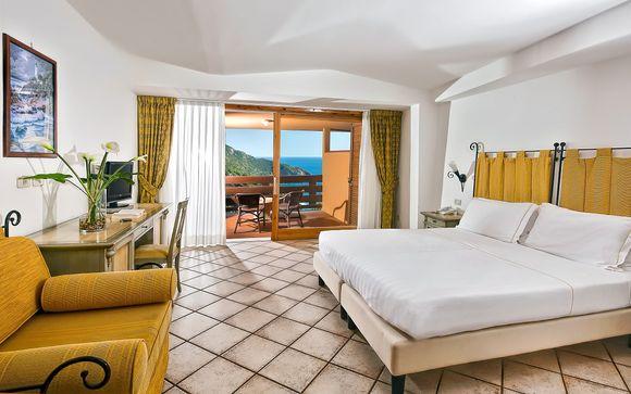 Hotel Torre di Cala Piccola 4*