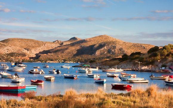 Anavyssos, en la costa griega, te espera