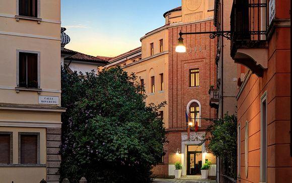 Hotel Indigo Venice Sant'Elena 4*
