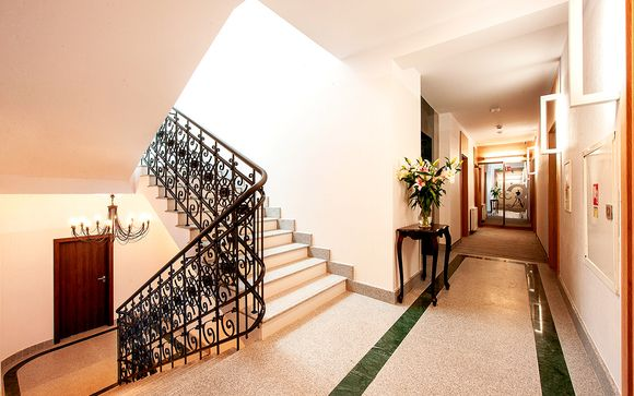 Plaza Boutique Hotel 4*
