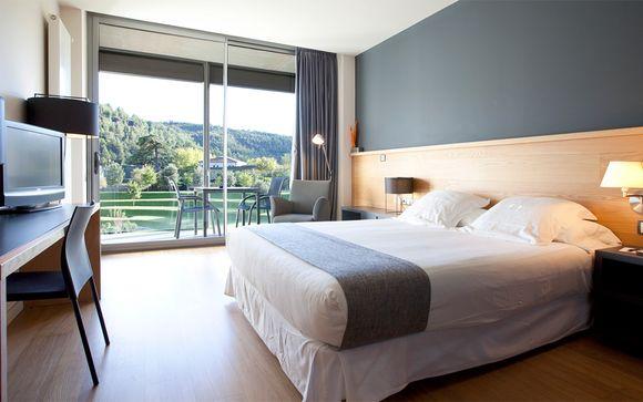 Hotel Món Sant Benet 4*