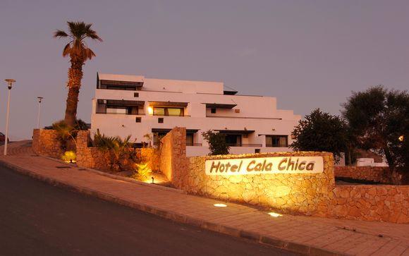 El Hotel Cala Chica le abre sus puertas