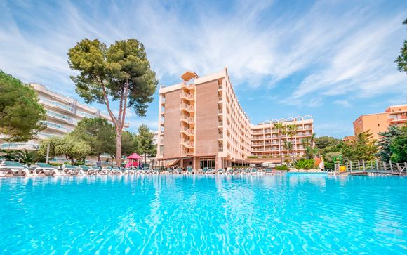 Salou - Golden Avenida Suites 4*