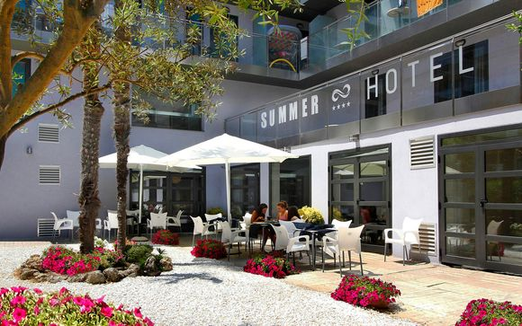 Poussez les portes de l'hôtel Summer 4*