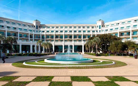 Poussez les portes de l'hôtel Las Arenas Balneario Resort 5*