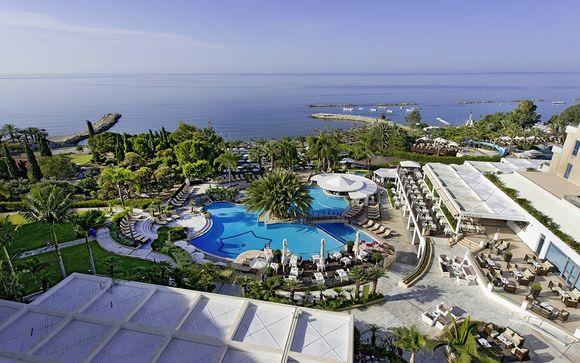Poussez les portes du Mediterranean Beach Hotel 4*
