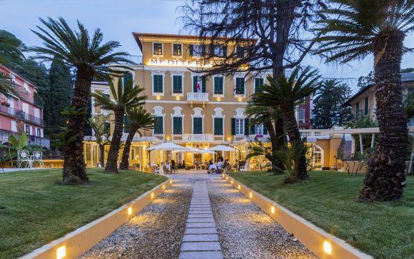 Palazzo ottocentesco a 4* con spa a pochi passi dal mare