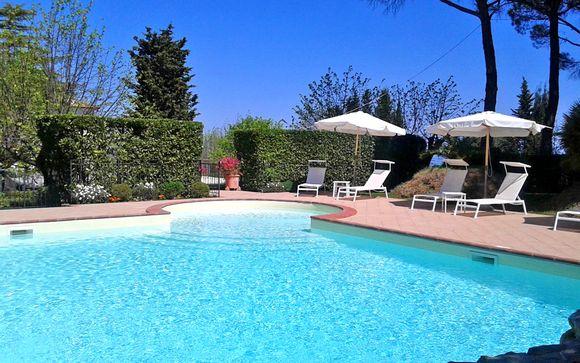 Villa fiorentina dell'Ottocento con piscina e parco secolare