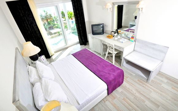 Charm Beach Resort 4*