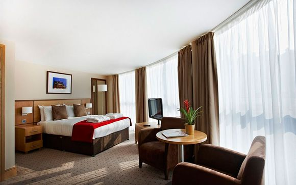 Il Clayton Crowne Hotel London 4*