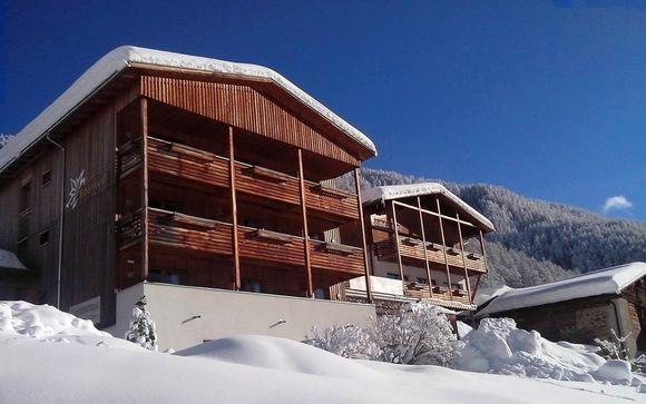 Mezza pensione e vista panoramica della Val Venosta