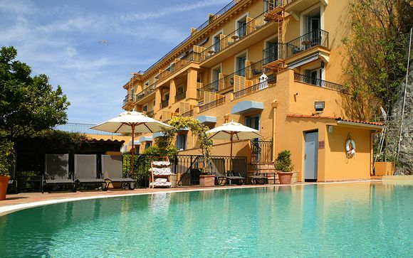 L'Hotel La Perouse 4*
