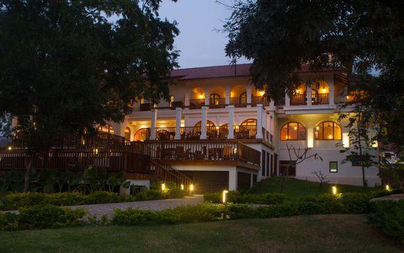 Hotel previsti durante il tour in Myanmar o similari