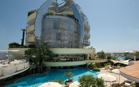 Waldorf Hotel 5*L