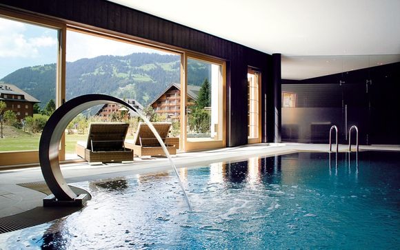 Raffinato chalet 5* con spa sulle Alpi svizzere