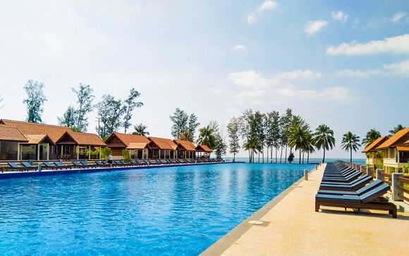 Cachet Resort Dewa Phuket 5* + Holiday Inn Phi Phi 4* + Le Menara Khao Lak 5*
