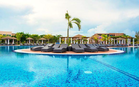 Hotel Lagunas del Este 5*