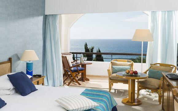 Coral Beach Hotel & Resort 5*