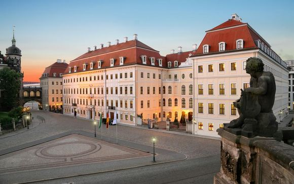 Luxury 18th-century Royal Residence in Historic Centre