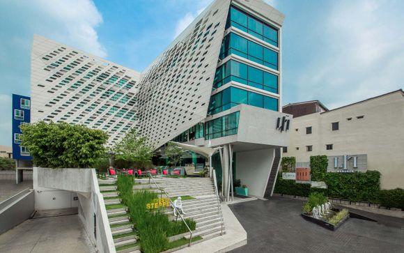 LiT Bangkok Hotel & Residence 4*