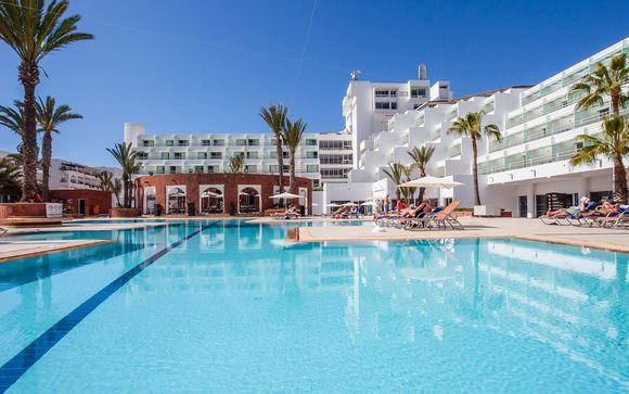 Amadil Beach Hotel 4*