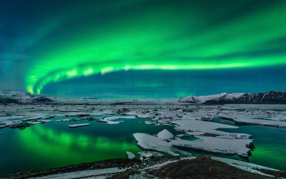 Golden Circle, Spa and Northern Lights Tour 3*