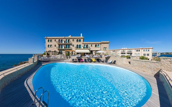 Hotel Delos Ile De Bendor 4*