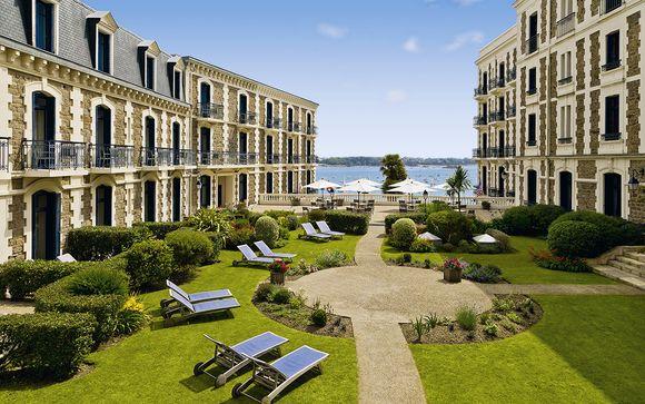 Hotel Barrière Le Grand Hôtel Dinard 5*
