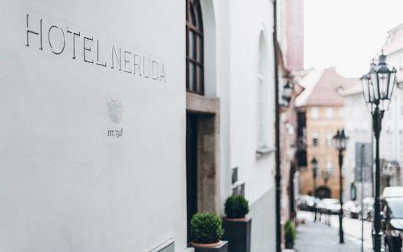 Design Hotel Neruda 4*