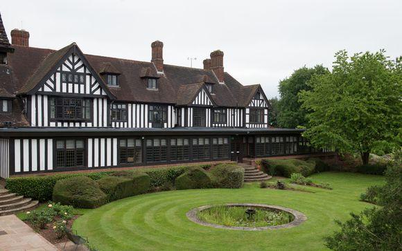Hogarths Stone Manor Hotel 4*