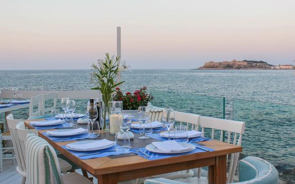 Cavo Seaside Luxury Suites 4*