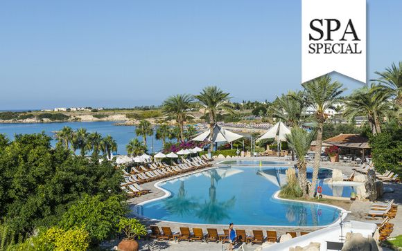 All Inclusive 5* Hotel Overlooking Sparkling Coral Bay