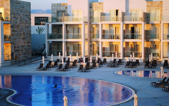 The Amphora Resort & Suites 4*