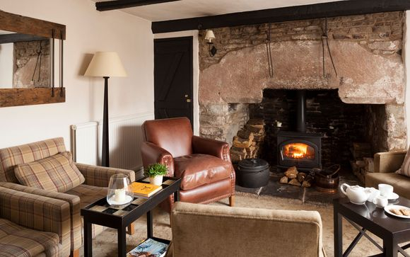 Tudor Farmhouse Hotel 3*