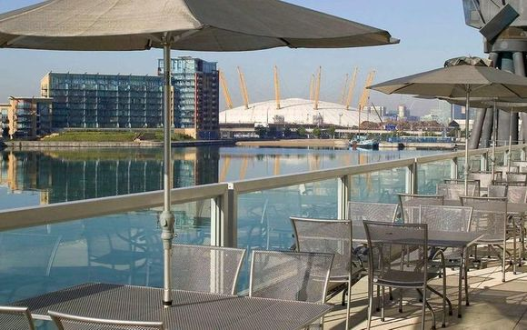 Chic Docks Hotel and River Cruise Experience