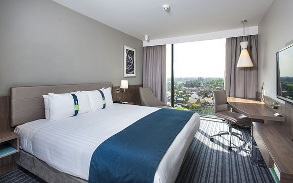 Holiday Inn London West 4*