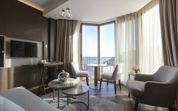 Brand New Sea View Suites