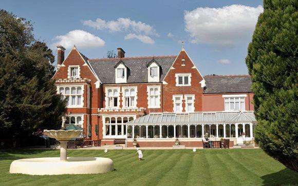 Hilton St Anne's Manor 4*