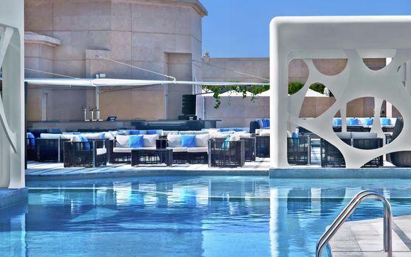 Poussez les portes de l'hôtel V Hôtel Dubai, Curio Collection by Hilton 5*