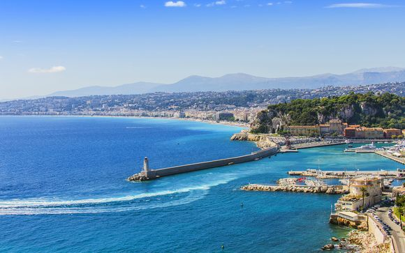 Fuga chic in Costa Azzurra a 100 metri dalla spiaggia