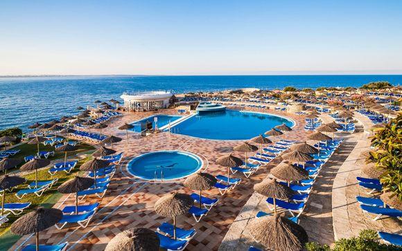 Fantastico resort per famiglie con vista mozzafiato sulla baia